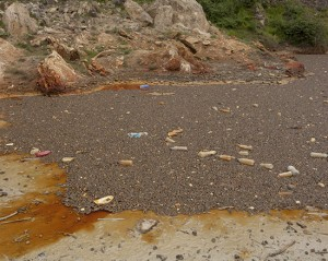 Oxide pool with floating debris 2013